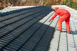 Покраска крыши: технология работ