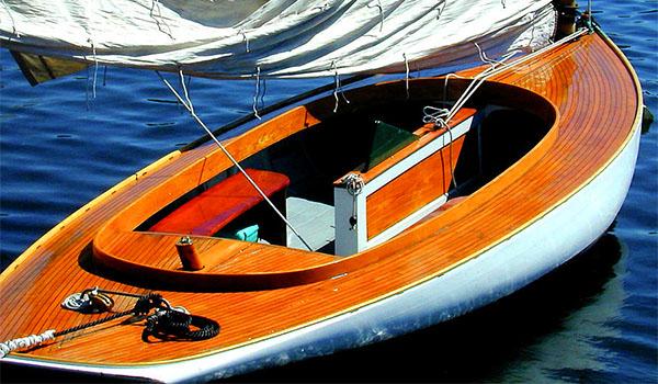 Защитный бесцветный лак для яхт Belinka Yacht